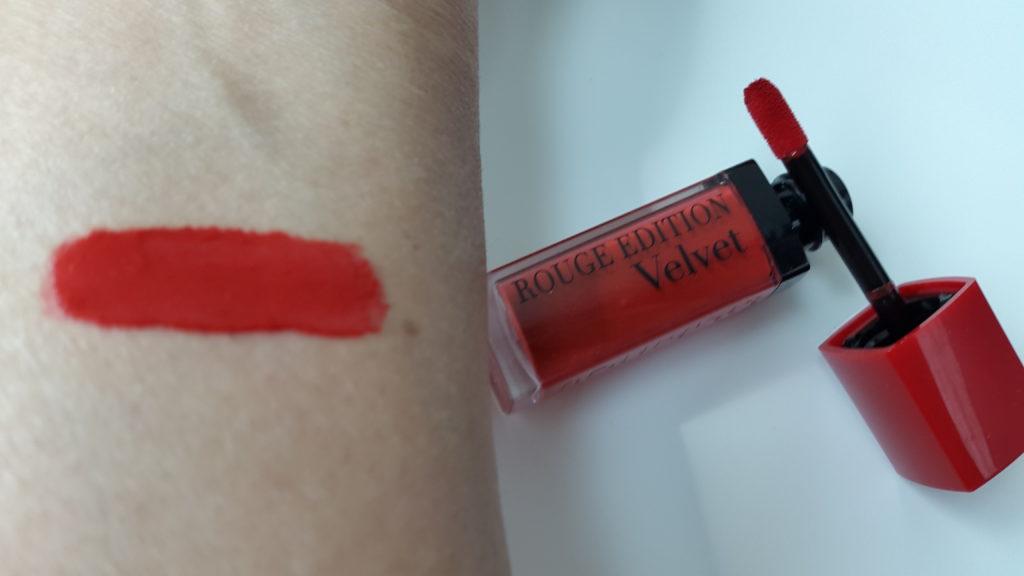 Bourjois Rouge Edition Velvet -01 Personne ne Rouge