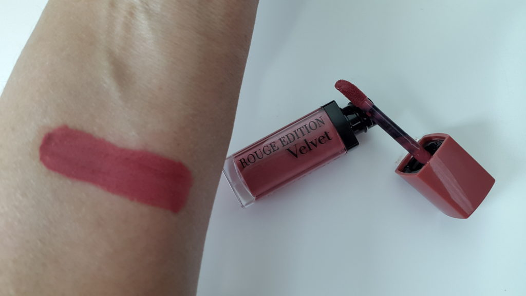 Bourjois Rouge Edition Velvet -07 Nude-ist swatch