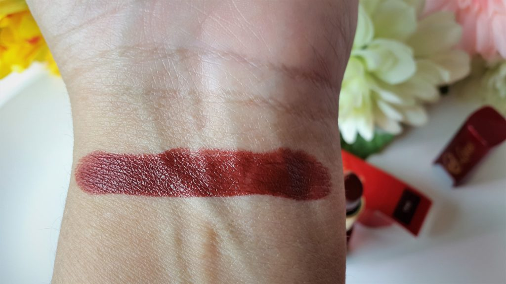 Ever Bilena Luxe Lipstick - Diva Swatched