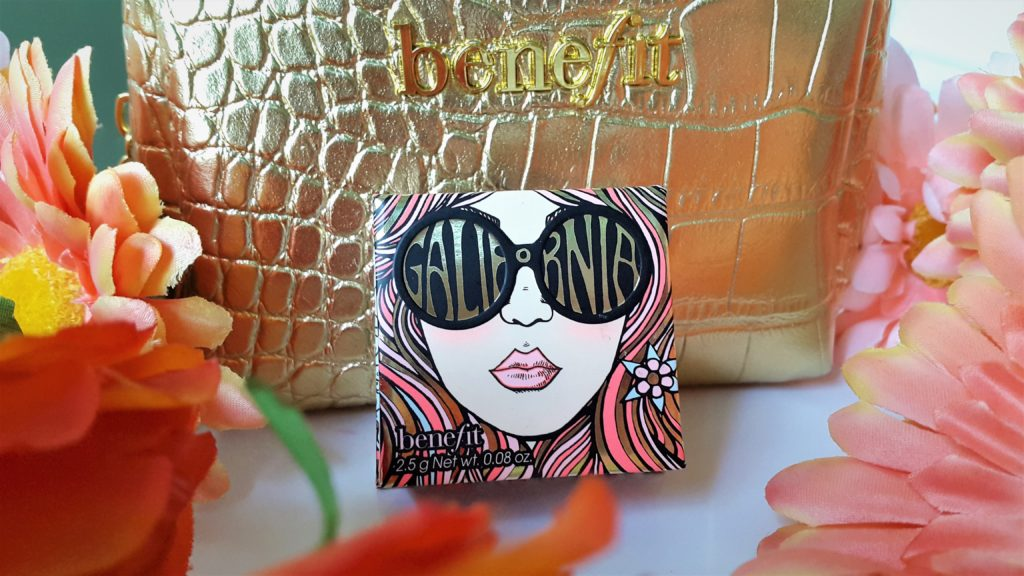 Benefit GALifornia Blush is a beautiful mix of pink and coral with some golden sheen. It gives the sun kissed glow to the cheeks.